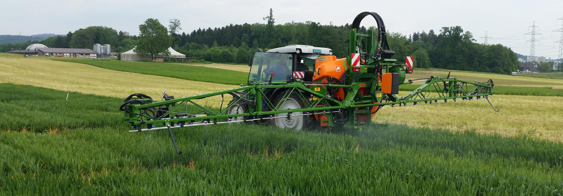 Fu00fcr das Ausbringen von Pflanzenschutzmitteln im Ausland gelten klare Bestimmungen. >