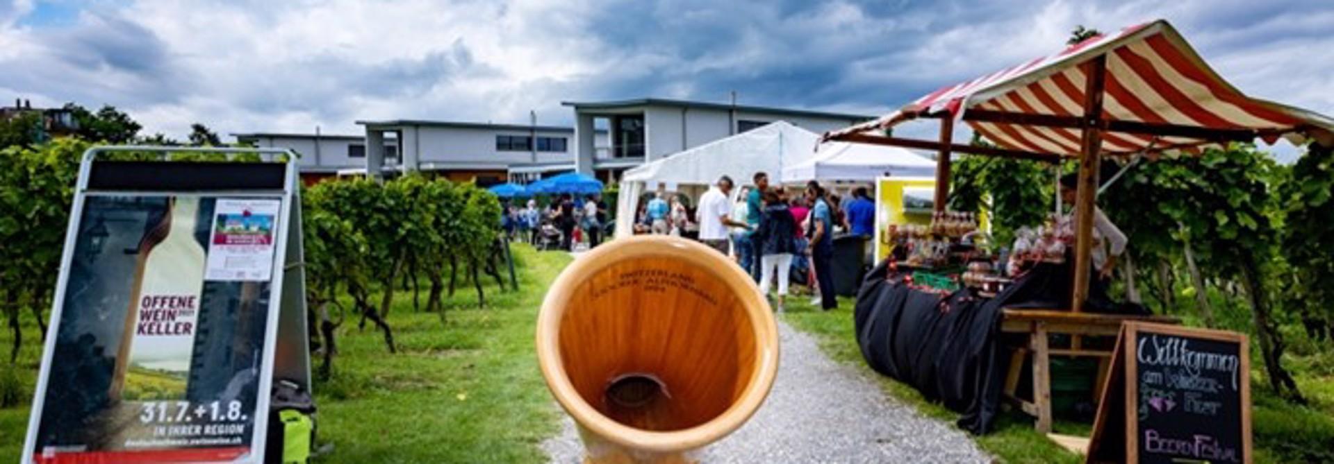 Am vergangenen Wochenende (31. Juli und 1. August) u00f6ffneten u00fcber 170 Winzerinnen und Winzer in der Deutschschweiz einem breiten Publikum ihre Weinkeller. >