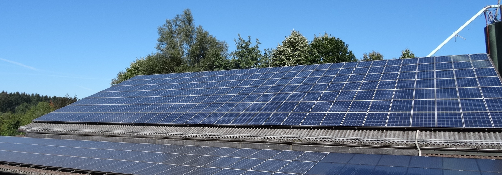 Die Photovoltaikanlage produziert Strom aus Sonnenenergie>