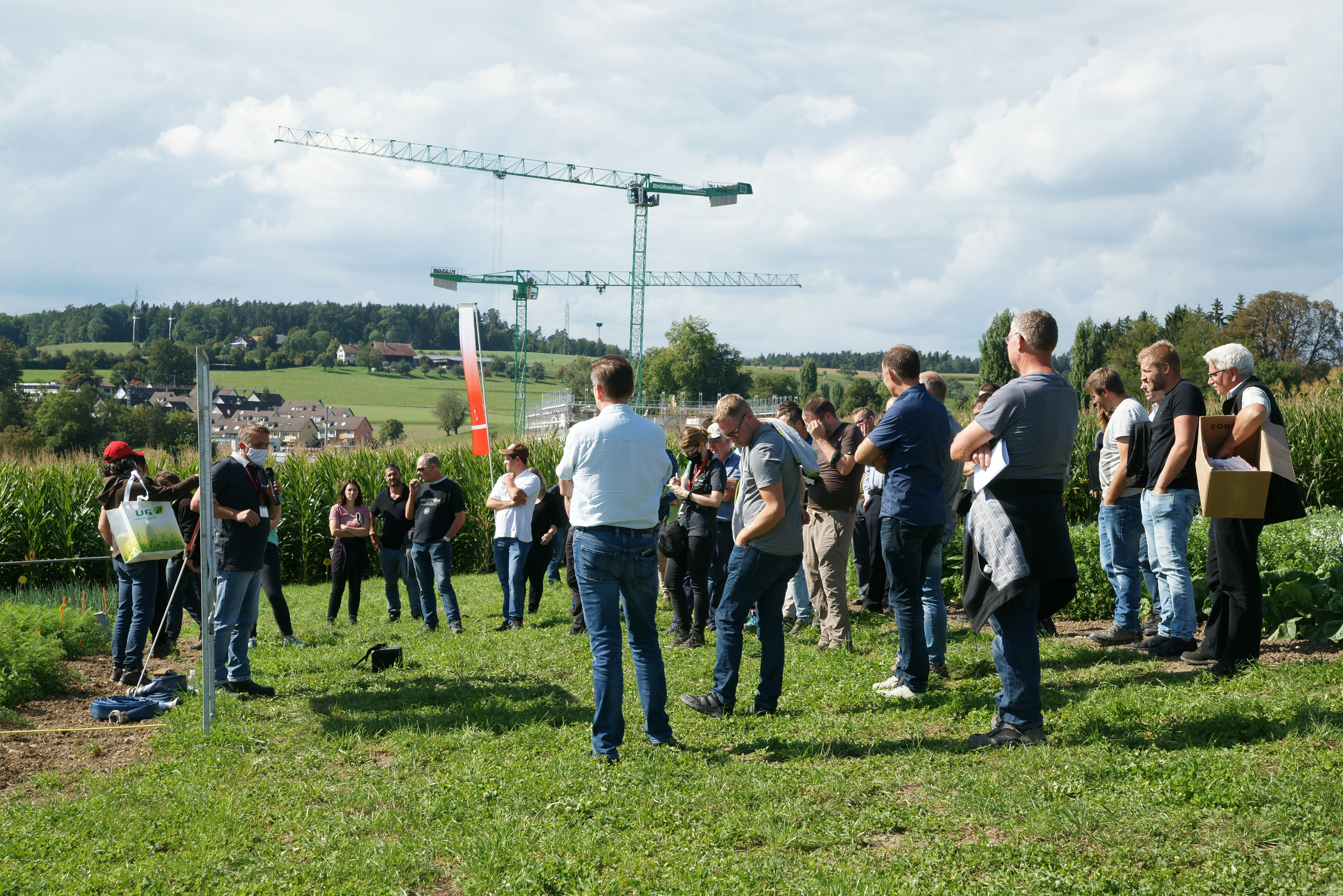 Jürgen Krauss von Agroscope stellte an der Freilandgemüse-Tagung verschiedene Herbizidstrategien in Karotten vor.